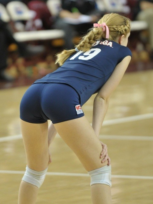 Volleyball girls in short shorts pictures