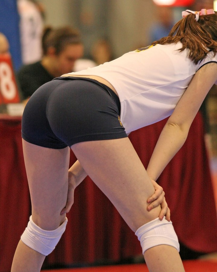 volleyball tight shorts 25 Girls playing volleyball in tight shorts