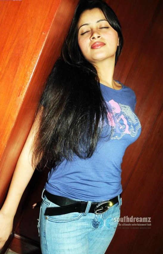 indian girl tight shirt 06 Hot Indian girls in tight shirts