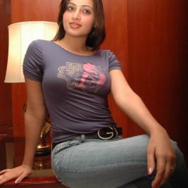 indian girl tight shirt 09 267x267 Hot Indian girls in tight shirts