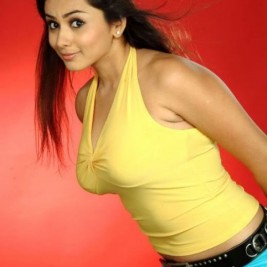 indian girl tight shirt 18 267x267 Hot Indian girls in tight shirts