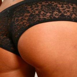 tight fitting lace panties13 267x267 Girls dressed in tight fitting lace panties