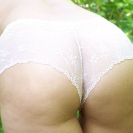 tight fitting lace panties26 267x267 Girls dressed in tight fitting lace panties
