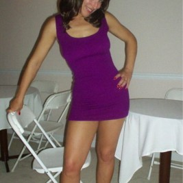 tight mini skirt21 267x267 Awesome girls wearing tight mini dresses