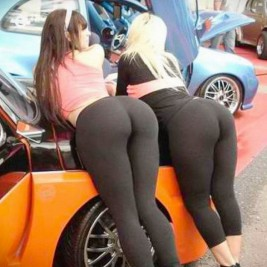 tight ass yoga pants 24 267x267 Tight asses in yoga pants