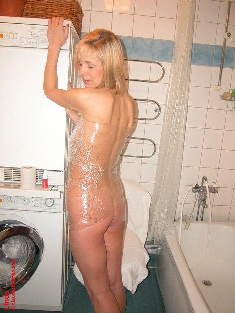 Plastic wrap girls - 59 Pics - xHamstercom