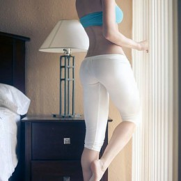 tight white pants 06 260x260 Goddesses in tight white pants