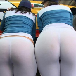 tight white pants 21 260x260 Goddesses in tight white pants