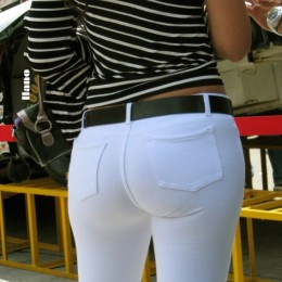 tight white pants 25 260x260 Goddesses in tight white pants