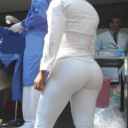 tight white pants 31 260x260 Goddesses in tight white pants