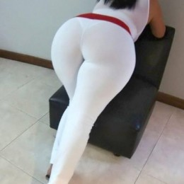 tight white pants 33 260x260 Goddesses in tight white pants