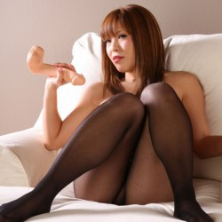girls-in-seamless-tights