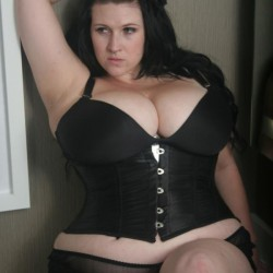 more-pics-of-chubby-ladies-in-tight-clothes