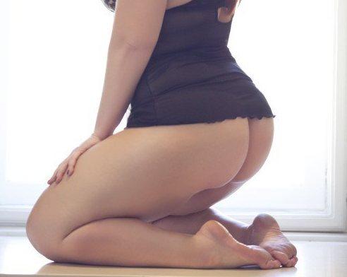 chubby-lady-tight-a