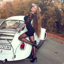 girls-in-tight-dresses--ready-for-the-party