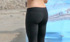 girls-practicing-jogging-in-tight-pants