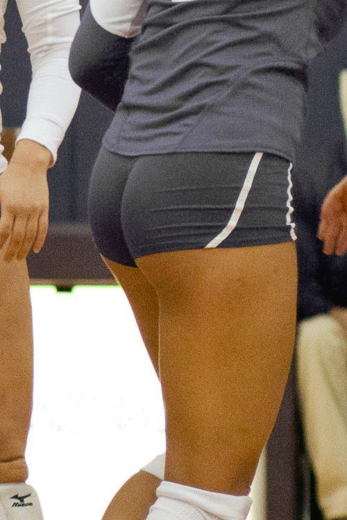 Pictures of girls in tight shorts