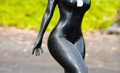 girls-wearing-tight-cosplay-costumes