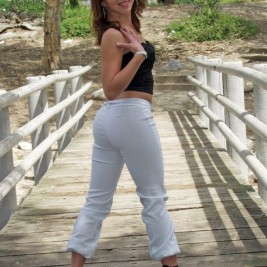 tight white pants 19 267x267 Chicks wearing tight white pants