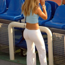 tight white pants 24 267x267 Chicks wearing tight white pants
