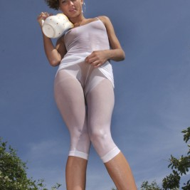 tight wet spanex pants 7 267x267 Blonde in tight wet spandex pants