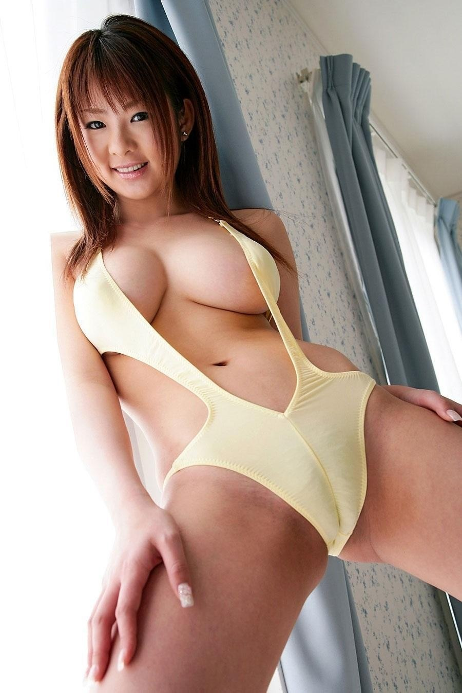 asian girls camel toe