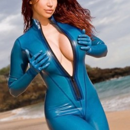 kinky babes in latex clothes 19 267x267 Kinky babes in shiny latex clothes