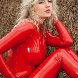 kinky babes in latex clothes 22 267x267 Kinky babes in shiny latex clothes