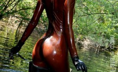 kinky-babes-in-shiny-latex-clothes