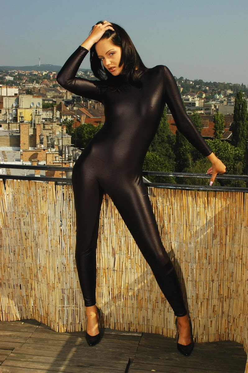 Sexy Girls In Spandex Clothes-9880