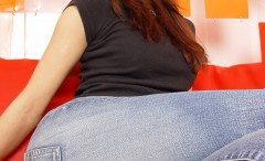 hotties-wearing-tight-jeans-pants
