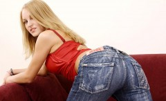 tight_jeans_pants_girls-21-240x146 Hotties wearing tight jeans pants