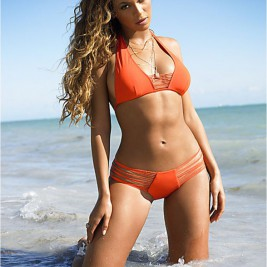 tight bikini 16 267x267 Hot girls in tight bikinis