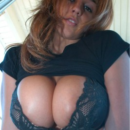 tight bra overflowing tits 23 267x267 Tight bras overflowing with big tits