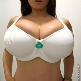 tight bra overflowing tits 30 267x267 Tight bras overflowing with big tits