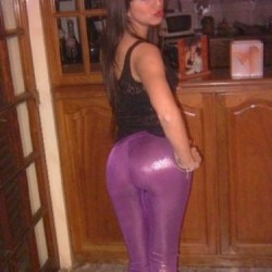hot-asses-in-tight-pants