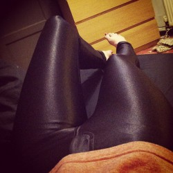 new-pics-of-girls-wearing-spandex-pants