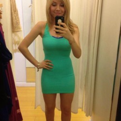 cute-chicks-in-tight-dresses