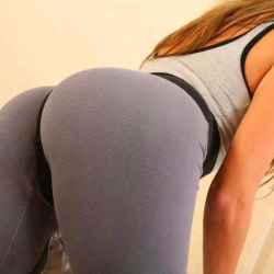 hotties-in-leggings