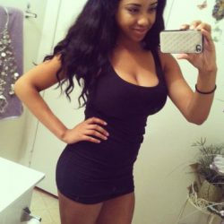 hot-amateur-chicks-in-tight-dresses