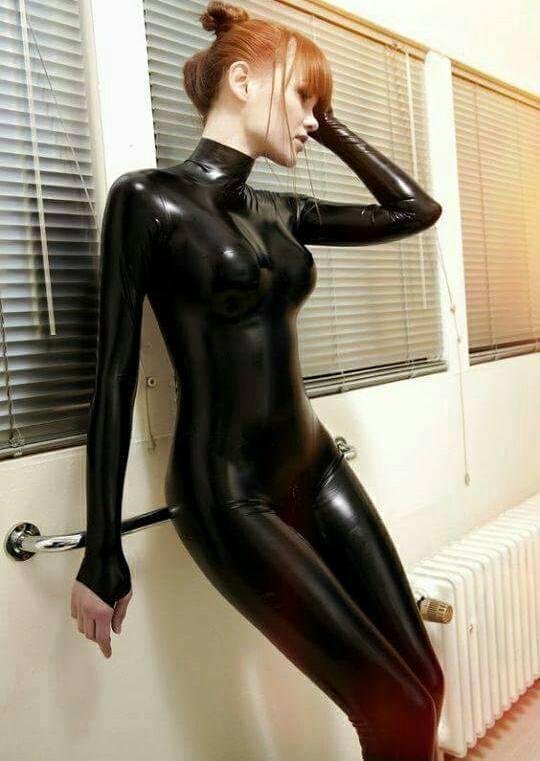 girl-wearing-latex-naked-naked-women-butt-plug