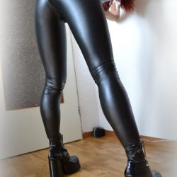 ladies-dressed-in-shiny-pants