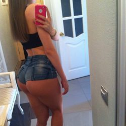 slutty-girls-in-skimpy-shorts