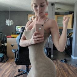 hot-ladies-in-tight-dresses