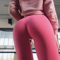 girls-dressed-in-leggings