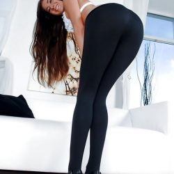 hottest-girls-in-leggings